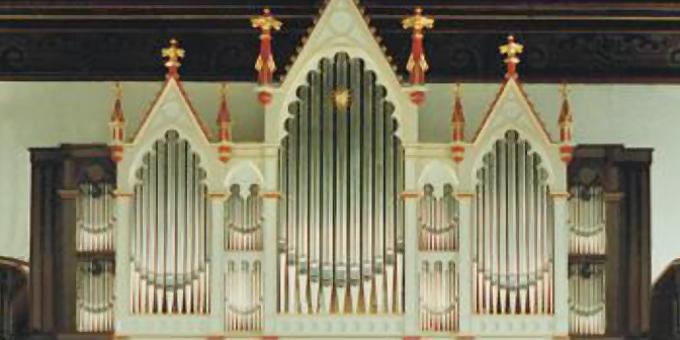 Dresden-Kaditz, Ev.-Luth. Emmauskirche, 2 Manuale 19 Register, 1991 (opus 1103)