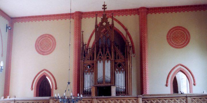 Redefin, Ev.-Luth. Kirche, 2 Manuale 17 Register, unbekannter Erbauer 1602, Restaurierung 2008