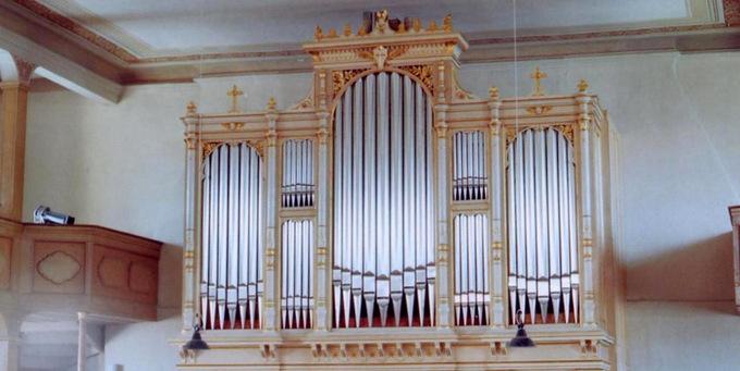 Rüsseina, Ev.-Luth. Kirche,2 Manuale 28 Register, C. E. Jehmlich 1871, Restaurierung 2005
