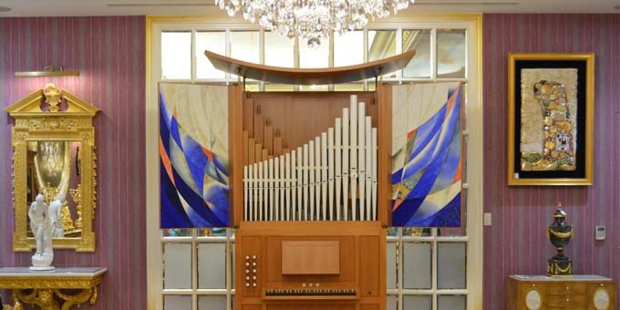 Taipei / Taiwan, Fa. Opulent, Orgelpositiv mit Meissener Porzellanpfeifen  2015 (opus 1165)