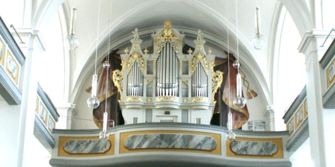 Elstra-Prietitz, Ev.-Luth. Kirche, 2 Manuale 19 Register, A. Strohbach 1755, Restaurierung 2015